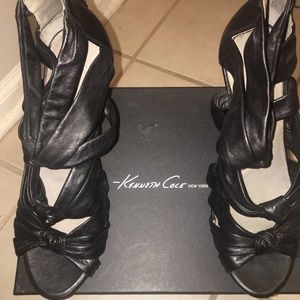 Kenneth Cole black leather wedge heels
